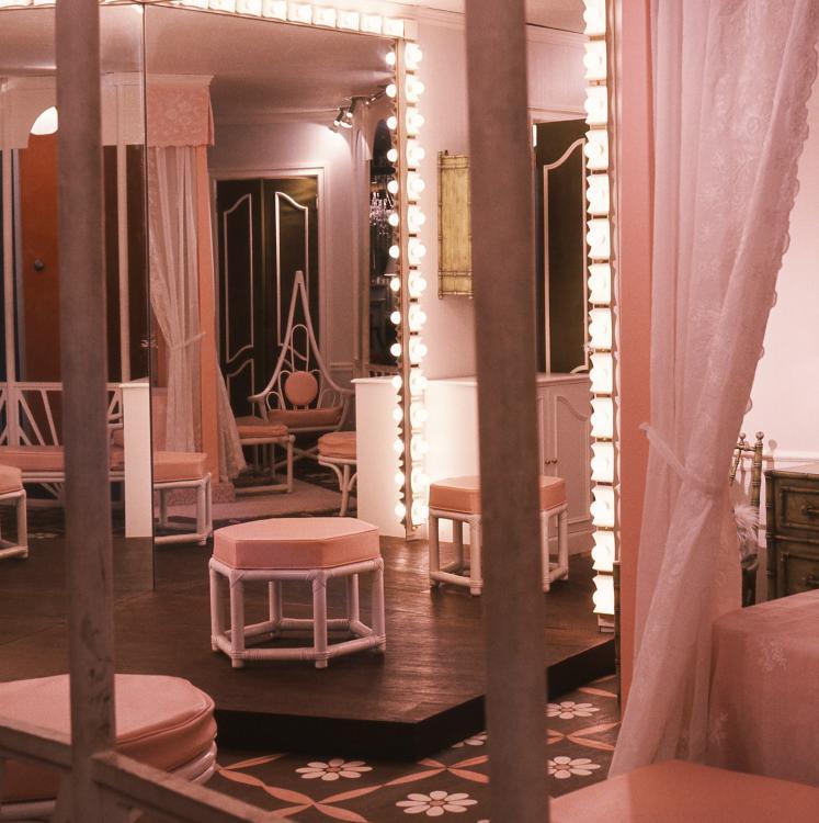 3.Pink Bedroom.jpg