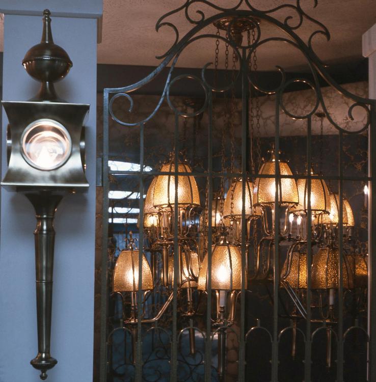 5.Charming Lamps.jpg