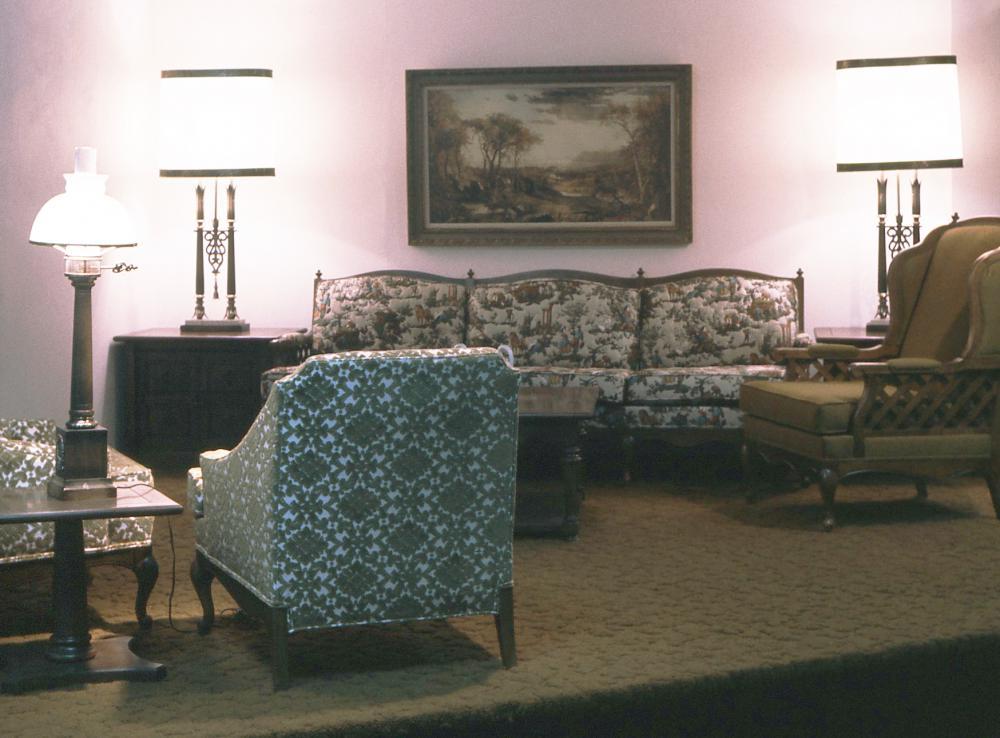 8.Living Room.jpg