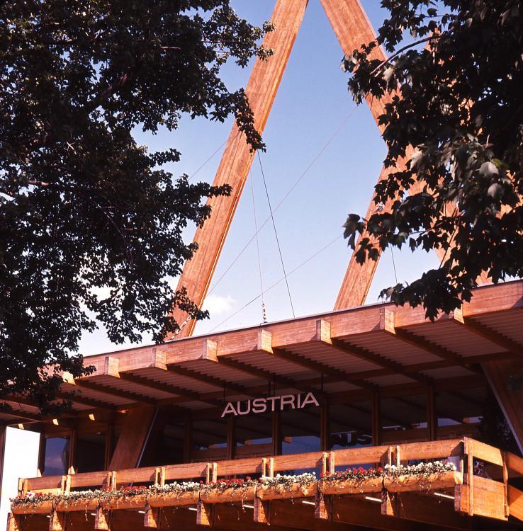 2.Austria.thumb.jpg.6de9c13084136ecc9bf906b36be0d882.jpg