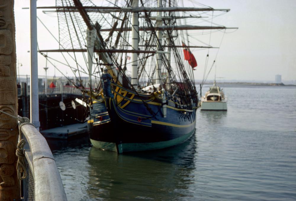 03 HMS Bounty.jpg