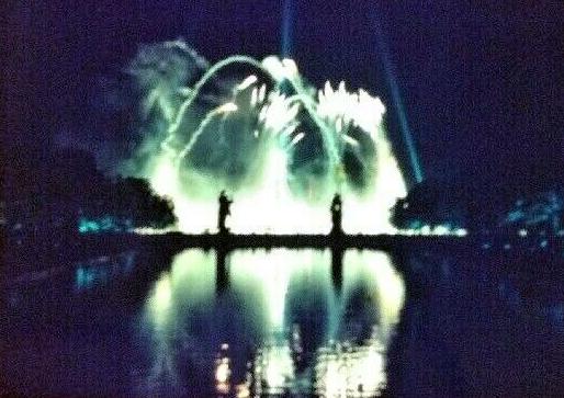 Moods fireworks 39.jpg